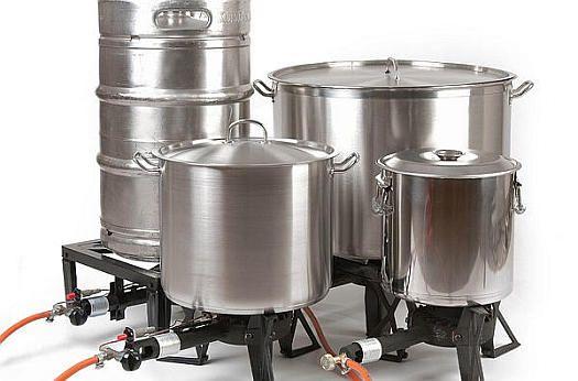 Diverse wokbranders met pan
